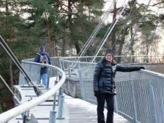 Stalen hangbrug over kanaal