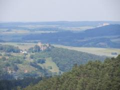 Blick von Dietzenley auf Burg Pelm