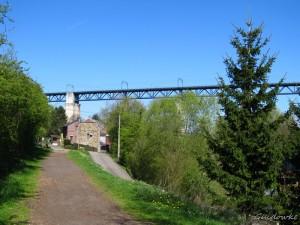 1107 m lang, 68 m hoog, 22 overspanningen van 48 m; aangelegd tijdens WOI tussen Tongeren en Aachen