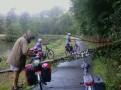Terugreis met hindernissen; mijn fiets vooraan rechts.